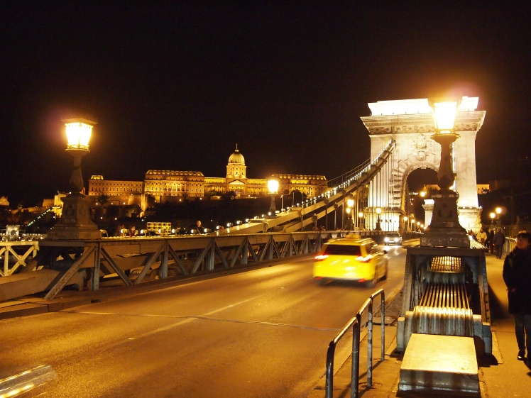 Back at the Széchenyi Chain Bridge.