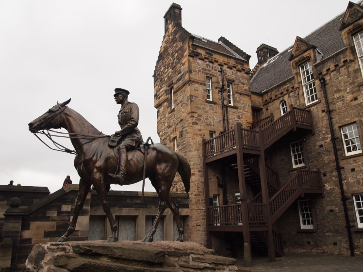 Statue of Earl Haig and his horse.